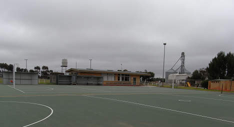 Nullawil netball Courts