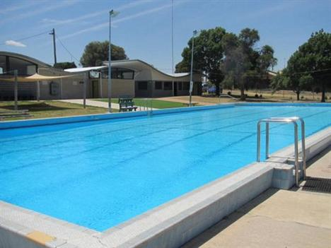 Swimming pools buloke shire council for Memorial park swimming pool hours